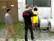 Desagradável morena de MILF prostituta sopra galo
