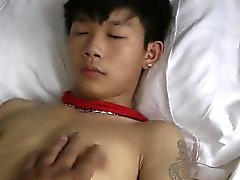 Asian Boy Jolie Handjob Lié