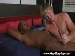 Homosexuell Bezahlte Handjobs und tiefen Oral befriedigt - Glory Geschlechts 19