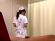 Gift Mukai på japanska sjuksköterskan Comforts sin patient HD From alla japanska passera