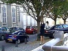 FRANCÉS SE COLADO 15 blonde anal esbelto en un sofá