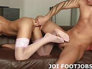 Giving you a footjob gets me so wet JOI