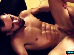 Büyük sik Twink anal seks ve yüz