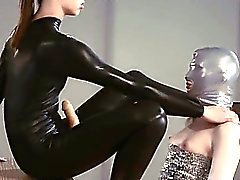 Luxus strapon girl4girl in mask In Spiel