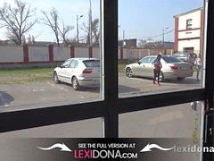 Lexidona - Hot Babe Lexi Dona und Gina Gerson saugen Hahn