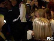 Wilde Wangen Ladestock in Club engulfing