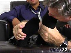 Genç erkek latino çıplak ayak gey Jake Torres Ayak Worshi Gets