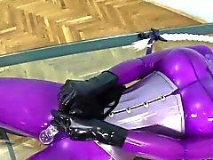 Brincar e dar prazer com o os vibradores de BDSM