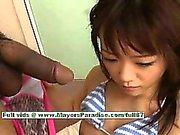 La Shoko Yokoy hot girl bella bambola cinese dà eccellente Fellazioni