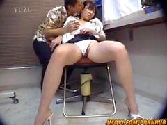 Chiharu Okuna ofiste ağzına horoz alır