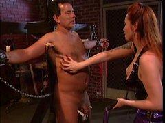 Dicken Titten asiatische zu foltern einen Kerl
