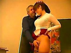 Enseignant baise une Schoolgirl
