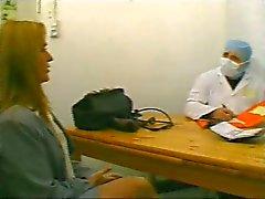 COLATA FRENCH Il 92 Inculata con madre in età matura Fist Milf ginecologa