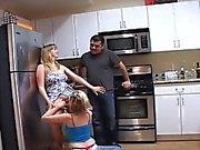Della cucina si vede di Addy Tony della comunicazione con della
