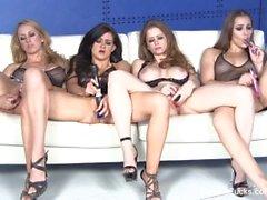Four великолепная порнозвезд мастурбировать а