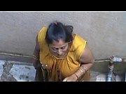 desi bhabhi without bra cleaning