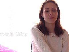 QUEST FÜR ORGASM - Antonia Sainz masturbiert bis zum Orgasmus
