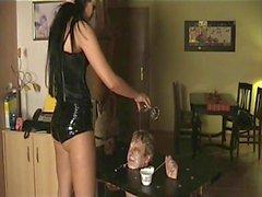 Talla especial Precioso la señora humille a sus esclavos