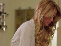 Красивые милф Джессика Дрейк придает работу удар на кухне