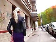 Große Titten blonden Amateur für Bargeld gerieben