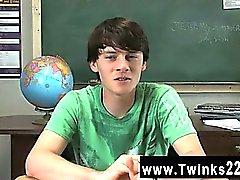 Gay Video Jeremy arada Sommers , bir masada oturan ve bir görüşme olmaktır
