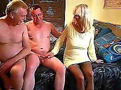 Joka toinen mature couple