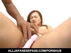 Mao suga dong e pees antes e depois de ficar brinquedos sexuais em fenda