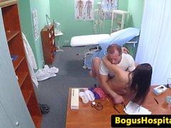 cockriding Hospital amateur durante l'esame