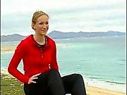 Duitse tiener Juliane strips op TV Deel 2