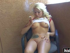 Awesome chicks like to masturbate alone