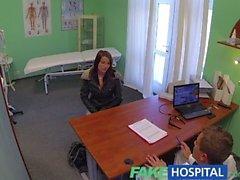 FakeHospital Великолепная молодая полюс танцовщица с горячему телу ласточки сперму