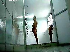 exhibitionistisch selbst Filme jacking im öffentlichen heiße Dusche