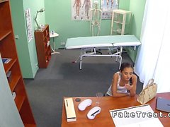 Mingherlino russa stronzi paziente dottore