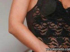 Star porno pour blonde pulpeuse de Samantha Jolie caresse la chatte