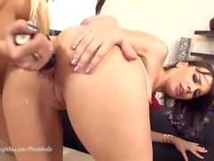 Amantes lésbicas Dona Bell e Dana Armond Não se cansa desse mel!