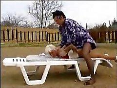 Bir crossdresser tarafından zalimce yaşlı kadın