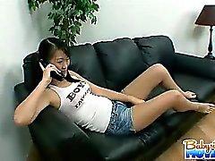Брюнет сексуальная няни Ивлин Ling оказывается втянутым