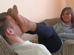 Meine Füße auf Ihrem Gesicht