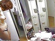 vakoilemalla nude girls in pukuhuoneen