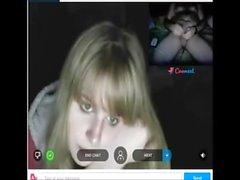 Reacciones de nenas al ver mi polla en la web cam. 19