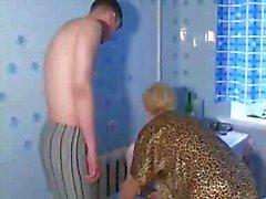 России пожилые шлюха Лана отсасывает