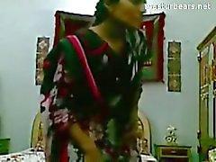 Pullo yksin Intian amatööri Tanya