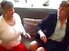 Kaksi Isoäidit kokeilemaan leluja kypsä kypsän täyspitkä Granny vanhan Cumshots Ejukulaatio