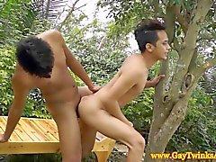 Asiatischer Jungs küssen und zu fickt mögen heißesten Pornostars in HD