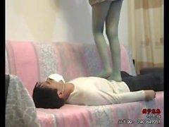 Chinesisches Mädchen Strumpfhosen trampeln