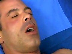 Di rumorosa il cazzo carnoso di Mike prima del gay di Josh del BJ