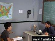 Uomo nudi Solo un altro giorno in ufficio Insegnate Twinks ! Jason