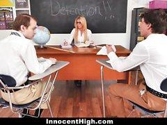 InnocentHigh - Att få puss i frihetsberövande
