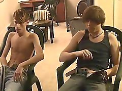 Gay kıllı bir Meksikalı sikiş Jared yaptığı ilk Tim ile ilgili heyecanlıdır