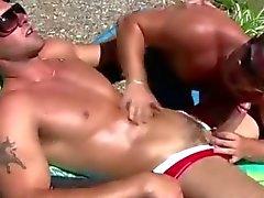 Gnistrande bisexuell person hunken